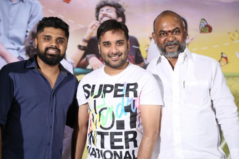 http://www.andhravilas.net/media/Gallery/Aanadam-Movie-Audio-Launch-Photos-1264509/thumb/4549.jpg