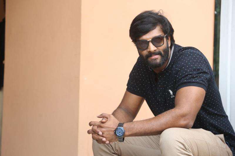 http://www.andhravilas.net/media/Gallery/Charandeep-Interview-About-Garuda-Vega-Movie-1263368/thumb/173.jpg