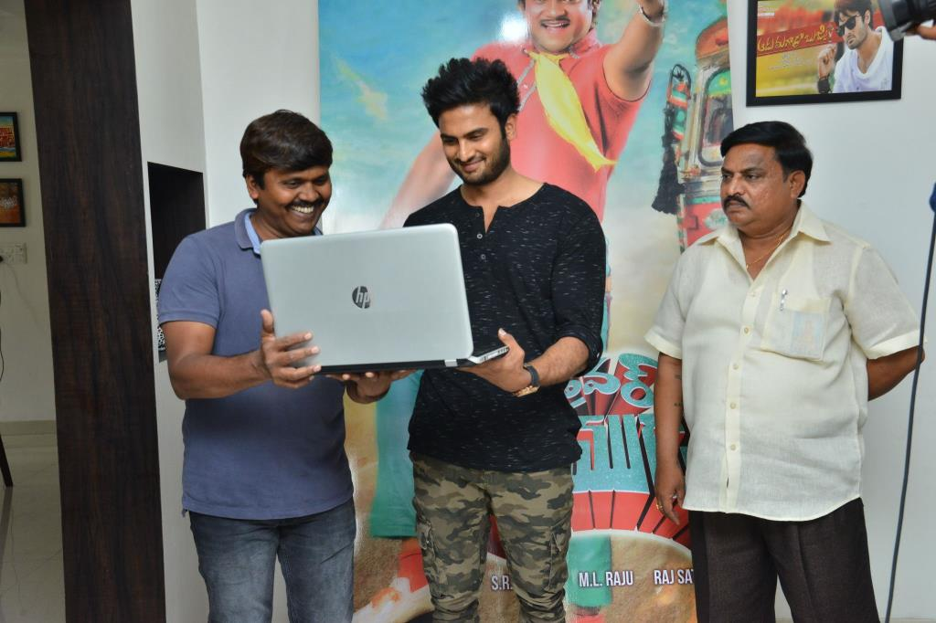 http://www.andhravilas.net/media/Gallery/Driver-Ramudu-Teaser-Launch-By-Sudheer-Babu-Photos-1265103/thumb/9062.jpg
