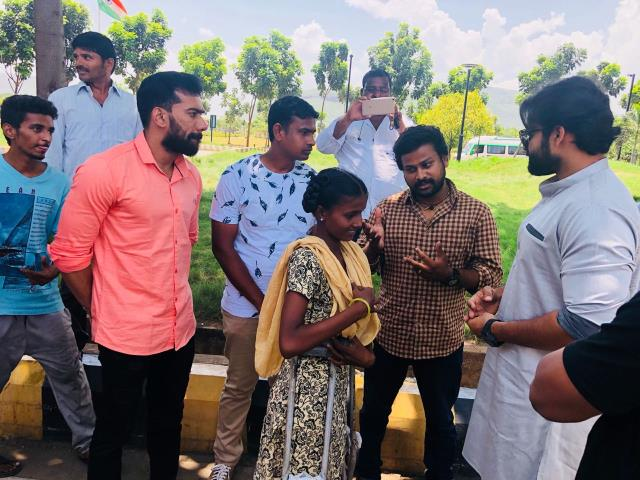 http://www.andhravilas.net/media/Gallery/Sai-Dharam-Tej-Meets-Cancer-Patient-Bangaramma-1265364/thumb/3691.jpg